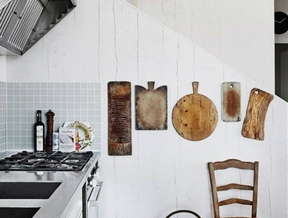 The Art of Display: 10 Rooms with Cutting Boards as Decor