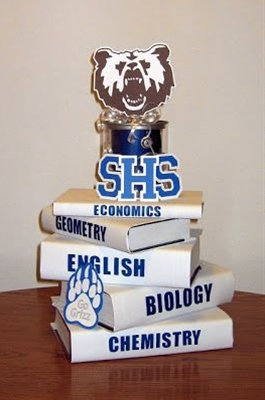 Easy and inexpensive class reunion centerpiece