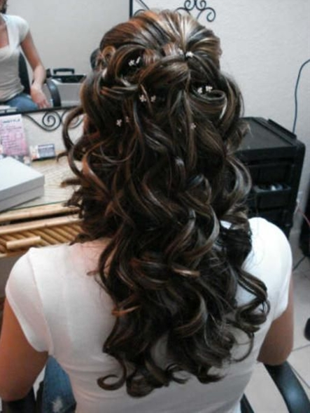 ... what my hair looked like on my wedding day before i got hugged to death...before even leaving the house... oh well :-)