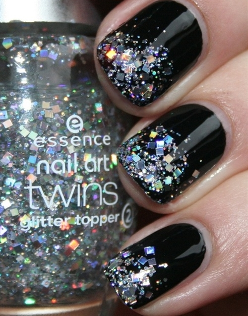 Black nails w/ glitter tips!