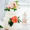 15 Ways To Dress Up Your Wedding Cake