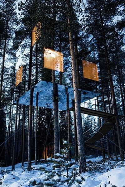 Now you see it, now you don't. The Mirrorcube at Treehotel.