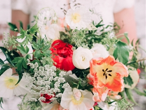 Bouquet Breakdown: Modern + Romantic Spring Wedding Inspiration