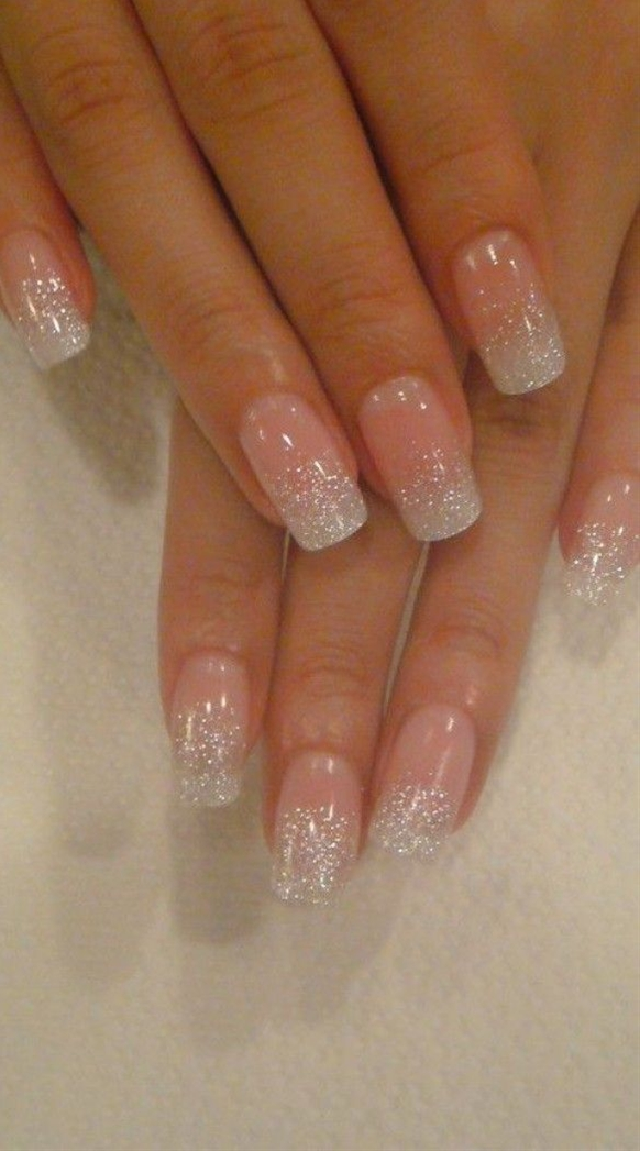 Note to self: too white glitter nail! (Only long nails look good)