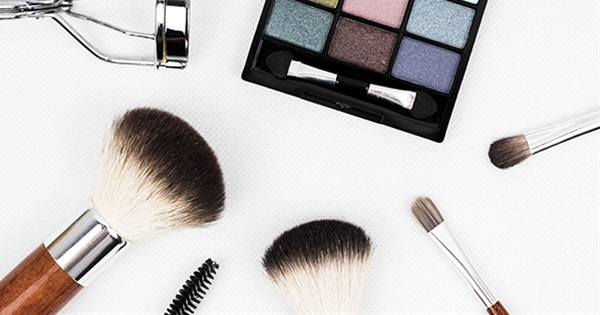 What Does Your Makeup Routine Says About You?